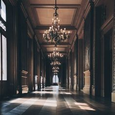 House Dream Mansions Chandeliers 38 Ideas For 2019 Hipster Vintage, Style Hipster, Retro Vintage, Slytherin Aesthetic, Beautiful Architecture, Baroque Architecture, Vintage Design, Diy Art, Aesthetic Pictures