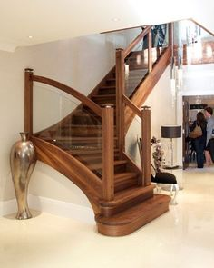40 Unique Indoor Wood Stairs Design Ideas You Never Seen Before Glass Stairs, Wood Stairs, House Stairs, Stair Railing Design, Staircase Railings, Staircase Ideas, Banisters, Staircases, Walnut Doors