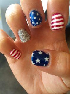 'Mercia!   4th of July nails!