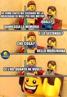 Legolize Lego Humor, Italian Memes, Funny Messages, Cultura Pop, Funny Stories, Sarcasm, Legoland, Laughter, Haha