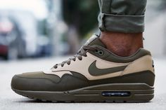 "On-Foot Look // Nike Air Max 1 Leather ""Dark Loden"""