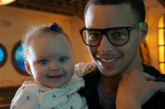 Stephen Curry with his baby daughter, Riley.