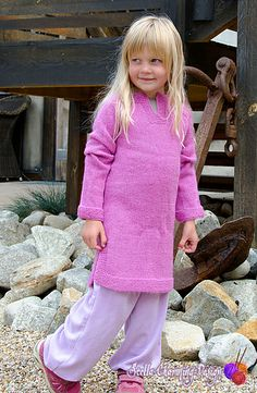 Supernova: cute dress/ tunic, knitted in soft alpaca. The split in the neckline makes it perfect for kids! It makes it easy for them to pull on and off, and no itchy neck. Available in sizes 2 to 12 years. Pattern in English and Norwegian.