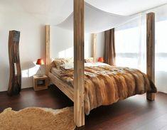 Alpine-style-wooden-beams-bedded-bedroom-bedspread-for.jpg (600×467)