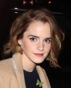 Emma Watson photo #818733 | theplace2.ru <br> Emma Watson Outfits, Emma Watson Dress, Emma Watson Makeup, Emma Watson Style, Emma Watson Pixie, Emma Watson Short Hair, Wavy Bob Haircuts, Hairstyles With Bangs, Short Hairstyles For Women