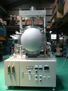 ファインセラミックや新素材の研究開発用。 本装置は、プレス機構を装備した雰囲気チャンバー内に加熱機構を設け種々の材料を高温雰囲気内でプレス焼成する事を目的とします。