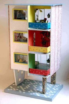 I don't know if I'll ever have a reason to make a dollhouse, but this is brilliant!