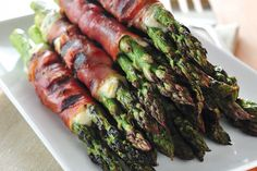 Asparagus Wraps with Crispy Prosciutto and Herbed Cheese - Making the World Cuter