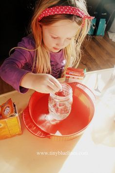 Easy volcano experiment to do with preschoolers