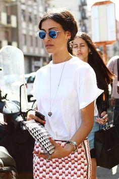 Vamos a comenzar el viernes con un poco de inspiración street style para llevar la clásica camiseta de algodón, todo un básico normcore que puede lucirse en cualquier estilismo,en cualquierestación del año, pero queno es hasta la llegada de la temporadaprimavera/verano cuando cobra total sentido. Harper and harley Anine\'s world Shopstyle Female freebies ¿Qué tiene […]