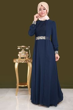 Güpür Detay Kolyeli Şifon Abiye Laci Ürün kodu:ALM3005  --> 119.90 RL Muslim Dress, Hijab Dress, Abaya Fashion, Muslim Fashion, Simple Hijab Tutorial, Dress Pesta, Beautiful Muslim Women, Types Of Dresses, Bridesmaid Dresses