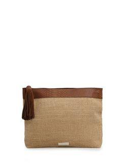 MANGO clutch van jute en leer met slangenhuidlook. kwastje, ritssluiting aan de bovenkant en binnenzak. #damestas #ladybag #purse