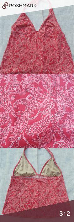 ??Clearance! Victoria's Secret Paisley swim top L Fall clearance!! Adorable Victoria's Secret pink Paisley tankini top. Halter style. Size large. Soft lining in the bra. Excellent condition Victoria's Secret Swim Bikinis