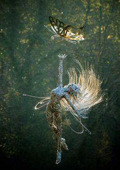 Stunning Fantasy Wire Sculptures of Fairies by Robin Wight Robin Wight, Chicken Wire Art, Chicken Wire Sculpture, Wire Art Sculpture, Wire Sculptures, Abstract Sculpture, Bronze Sculpture, Garden Drawing, Garden Art