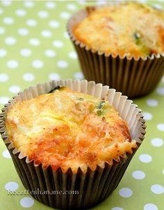 Ce ne sont pas vraiment des muffins mais la texture se rapproche plus à une quiche sans pâte, aux fromage et courgettes, vous pouvez les servir, en entrée avec une salade, pour un brunch ou pour un buffet salé… La recette : 3 oeufs 6 cuil. à soupe de...