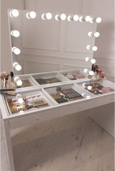 50 Elegant Vanity Table Design