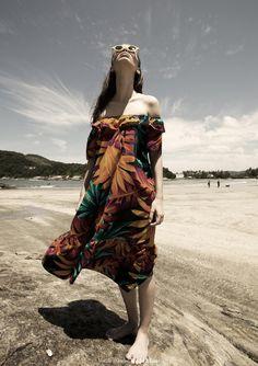 Styling: Mafa Junqueira | Fotografia: Welder Rodrigues | Beauty Mari Coelho | Modelo: Viviane Demattei (Way Model) | Locação:Hotel Sofitel Jequitimar Guarujá | Para ver a edição completa acesse: http://www.revistadobiro.com.br/revista-do-biro-6/