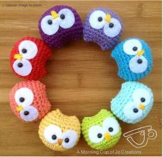 How adorable are these crochet baby owls. They are very easy to make and you will love them. Check out the FREE Pattern now.