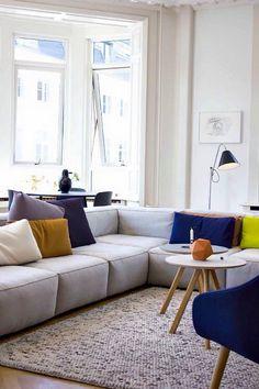 Ein Wohnzimmer Mit Kivik Ecksofa 2+2 Mit Bezug ?orrsta? In ... Wohnzimmer Beige Couch