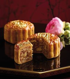 Black truffle and Parma ham mooncake Langham Place Chinese Moon Cake, Wine Guy, Cake Festival, Black Truffle, Types Of Cakes, Mid Autumn Festival, Mooncake, Truffles, Cake Decorating