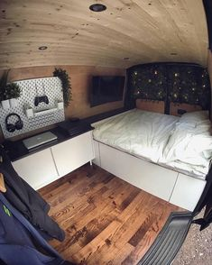 Forum for discussions related to living a nomadic life on the road. This includes Van life, RV life, Bus life, etc.
