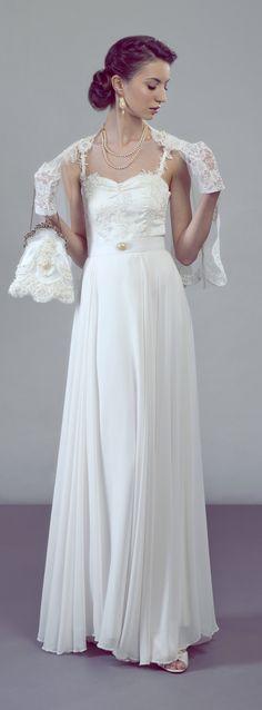 Elegant vintage inspired bridal look by Petite Lumiere. Two piece wedding dress/ bridal separates