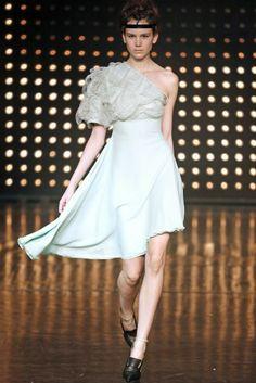 Fatima Lopes - Runway - Paris Fashion Week Ready to Wear F/W Portuguese, Fashion Designers, Paris Fashion, High Low, Ready To Wear, Runway, Formal Dresses, How To Wear, Vestidos