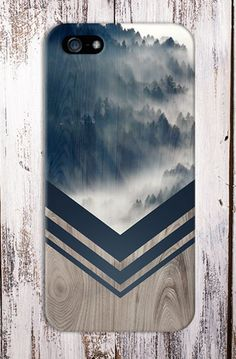 Lovely Clusters - Beautiful Shops: Mountain Fog Navy Blue Chevron Wood Design Case