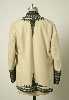 Non-Western Historical Fashion - Coat Early century Romania Opera Coat, Folk Clothing, Folk Costume, Costumes, Costume Institute, Vintage Couture, Traditional Dresses, Fall Outfits, Silk