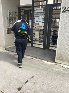 #selidbe #transport #selidbebeograd  Selidbe i transport robe non stop.... 066/6-111-444 064/281-90-25 www.ajkula.rs www.selidbeitransport.rs Uvek u pokretu....