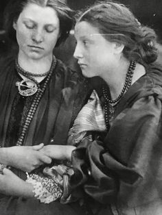 Great Photos, Old Photos, Vintage Photos, Julia Margaret Cameron, English, Artists, Illustrations, Clothes, Women