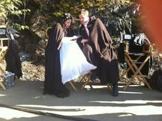 I think this is just the cutest pic ever! :) Josh Dallas and Ginnifer Goodwin on Once Upon A Time Undercut Pixie, Undercut Hairstyles, Pixie Hairstyles, Ginny Goodwin, Snow And Charming, Prince Charming, Josh Dallas And Ginnifer Goodwin, Asymmetrical Pixie, Between Two Worlds