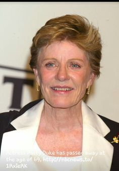 Patty Duke passed away today at the age of 69 she had it long and outstanding career and she will be truly missed Patty Duke Show, John Astin, The Miracle Worker, Star Pictures, Petite Women, Celebs, Celebrities, Strong Women, Movie Stars