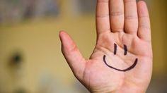 Espalhe alegria, amor, boas energias distribuindo sorrisos e cativando a todos que estão por perto. Porque rir é o melhor remédio. Viva feliz!