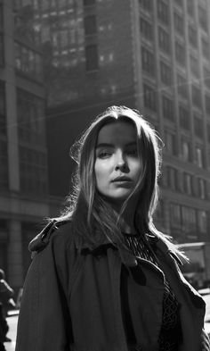 Black and white photograph of Jodie Comer 2017 for MONROWE Magazine. Black and white photograph of Jodie Comer 2017 for MONROWE Magazine. Black And White Girl, Black And White Aesthetic, Black And White People, Black And White Portraits, Black And White Photography, People Photography, Film Photography, Photography Flowers, Pretty People
