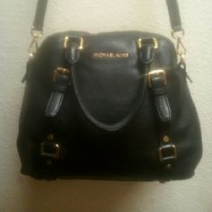 Michael Kors Bedford Bowling Satchel Re-Posh Black Pebbled Leather Crossbody Bag. Gold Hardware. Does Not Come With Hang Tag. Price Reflects The Condition Of The Bag. There is Wear On Handles & Light Fading On Bottom Corners. Still Has Lots Of Life Left. No Trades Accepting Reasonable Offers. This Item Is From A Smoking Home. Thank You For Visiting Our Closet. Michael Kors Bags Satchels