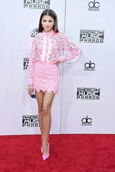Zendaya's pink, floral outfit proves she can do soft and girly just as well as she does edgy. Mode Zendaya, Zendaya Outfits, Zendaya Style, All Fashion, Womens Fashion, Zendaya Coleman, Fashion Catalogue, Dress Me Up, Pink Dress