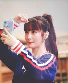 190729 GMP Nayeon, South Korean Girls, Korean Girl Groups, Girl Photos, My Photos, My Girl, Cool Girl, Rapper, Sana Momo