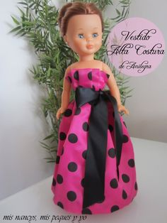 mis nancys, mis peques y yo, vestido alta costura para Nancy Girl Doll Clothes, Girl Dolls, Vestidos Nancy, Pram Toys, Nancy Doll, America Girl, 18 Inch Doll, Dress Patterns, Crochet