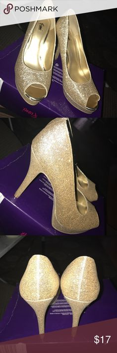 Luster Gold Pumps open toes glitter gold pumps. worn once & cleaned FIONI Clothing Shoes Heels