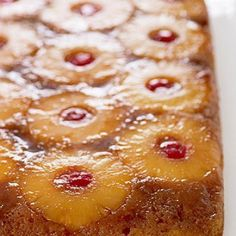 Our Favorite Upside-Down Cake Recipes. Easy Pineapple Upside-Down Cake. Sweet, fruity, gooey deliciousness awaits you with these upside-down beauties. Köstliche Desserts, Delicious Desserts, Dessert Recipes, Yummy Food, Fruit Dessert, Pudding Desserts, Pinapple Cake, Cobbler, Cake Recipes From Scratch