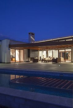 NR2 House / Roberto Burneo Arquitectos,© Sebastián Crespo Camacho