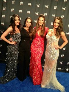 Trish Stratus & Lita pose with the Bella Twins at the WWE Hall of Fame Ceremony