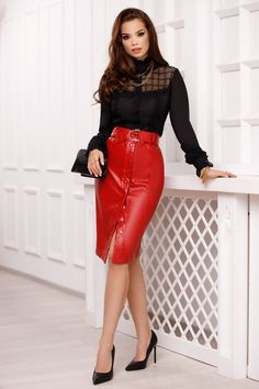 Leather Dresses, Leather Skirt, Beautiful Women Tumblr, Top Photo, Trench, Leggings, Sexy, Skirts, People
