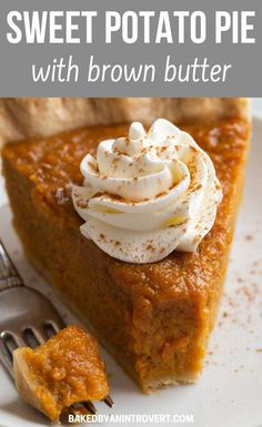 Lush sweet potato pie with the perfect balance of fall spices and brown butter will be a hit on your Thanksgiving day table! Lush sweet potato pie with the perfect balance of fall spices and brown butter will be a hit on your Thanksgiving day table! Köstliche Desserts, Delicious Desserts, Dessert Recipes, Yummy Food, Sweet Potato Casserole, Sweet Potato Recipes, Sweet Potato Pie Recipe Paula Deen, Southern Sweet Potato Pie, Sweet Potatoe Pie