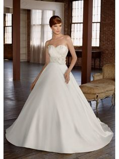 Taffeta Sweetheart Ball Gown Wedding Dress