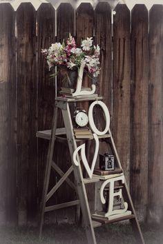 E letters on Ladder with vintage decor L.E letters on Ladder with vintage decor Rustic Vintage Decor, Vintage Ladder, Vintage Design, Vintage Ski, Antique Decor, Rustic Wedding Decorations, Bridal Shower Decorations, Wedding Ideas, Trendy Wedding