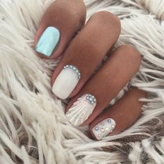 Want to know how to do gel nails at home? Learn the fundamentals with our DIY tutorial that will guide you step by step to professional salon quality nails. Cute Nails, Pretty Nails, Seashell Nails, Vacation Nails, Mermaid Nails, Diy Kit, Nails 2018, Luxury Nails, Beautiful Nail Art