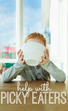 Did you know that there's usually a reason behind picky eating? We're sharing tips, tricks and solutions to help with your picky eaters! This is good information, interesting stuff. Fussy Eaters, Picky Eaters, Toddler Meals, Kids Meals, Toddler Food, Healthy Kids, Healthy Lunches, Kid Friendly Meals, Raising Kids