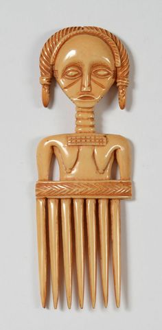 Africa | Comb from the Baule people of the Ivory Coast | Ivory; H: 16 cm | ca. mid 20th century